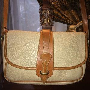 EUC-Vintage Dooney & Bourke Shoulder Bag